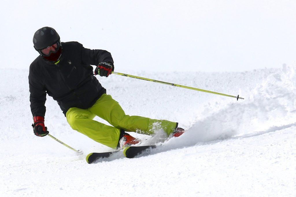 Sporting-Goods-Insurance-Ski.jpg